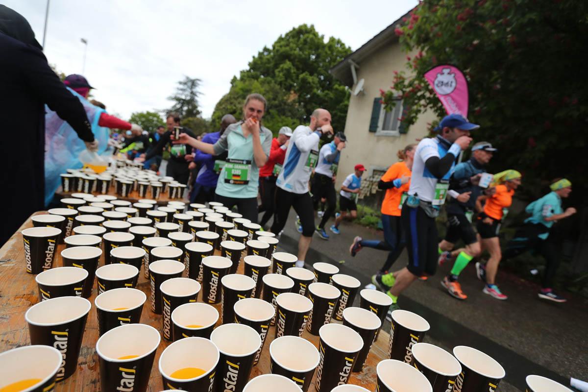 Le ravitaillement du marathon de Genève