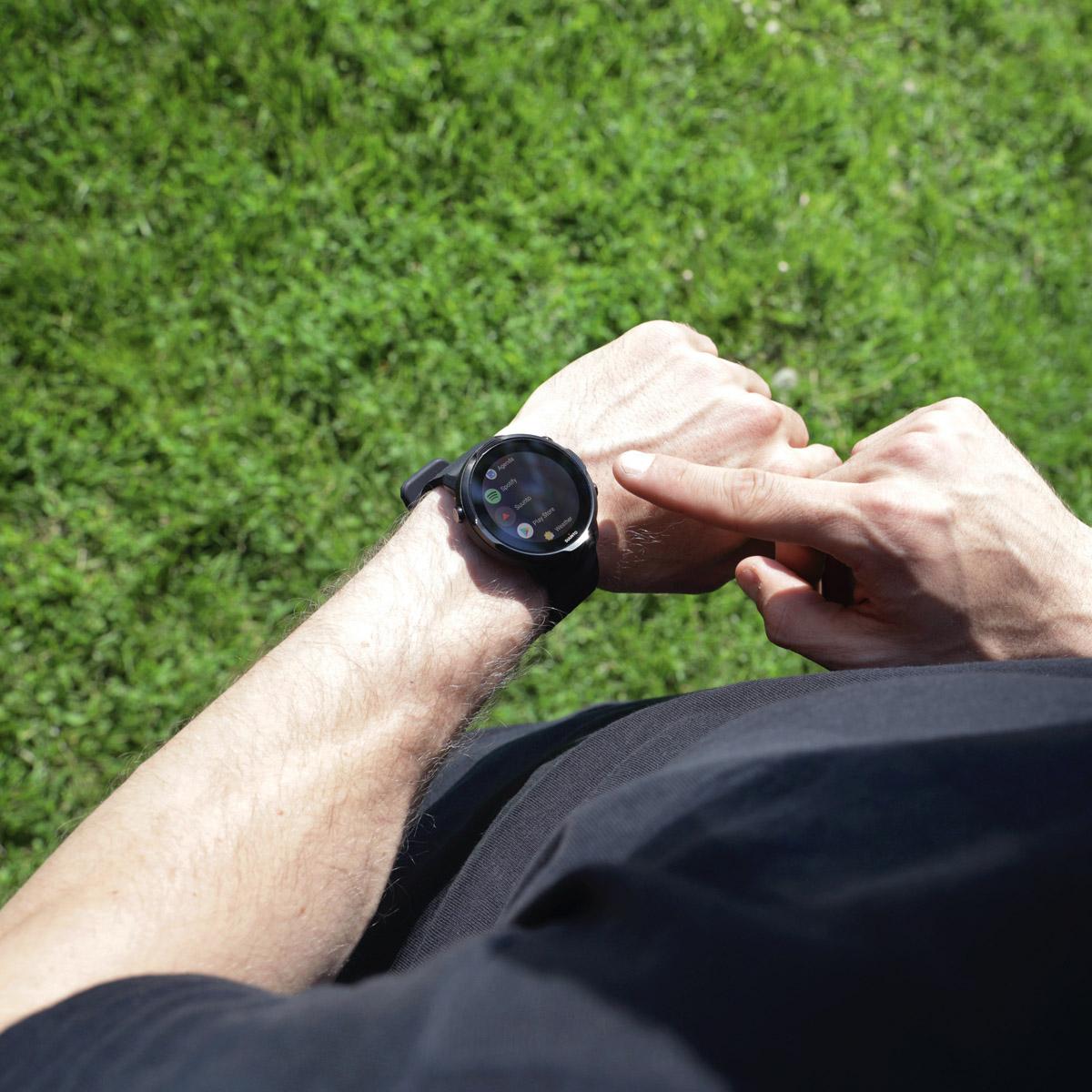 Suunto 7. Smartwatch lookée.