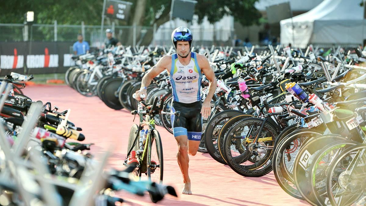 Passage de relais Course Cyclisme Ironman de Malaisie