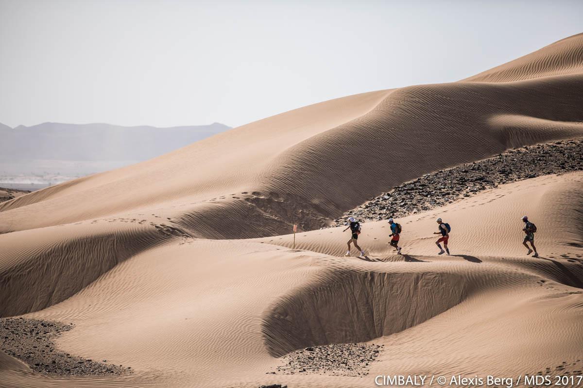 Parcours exigent sur le Marathon des sables