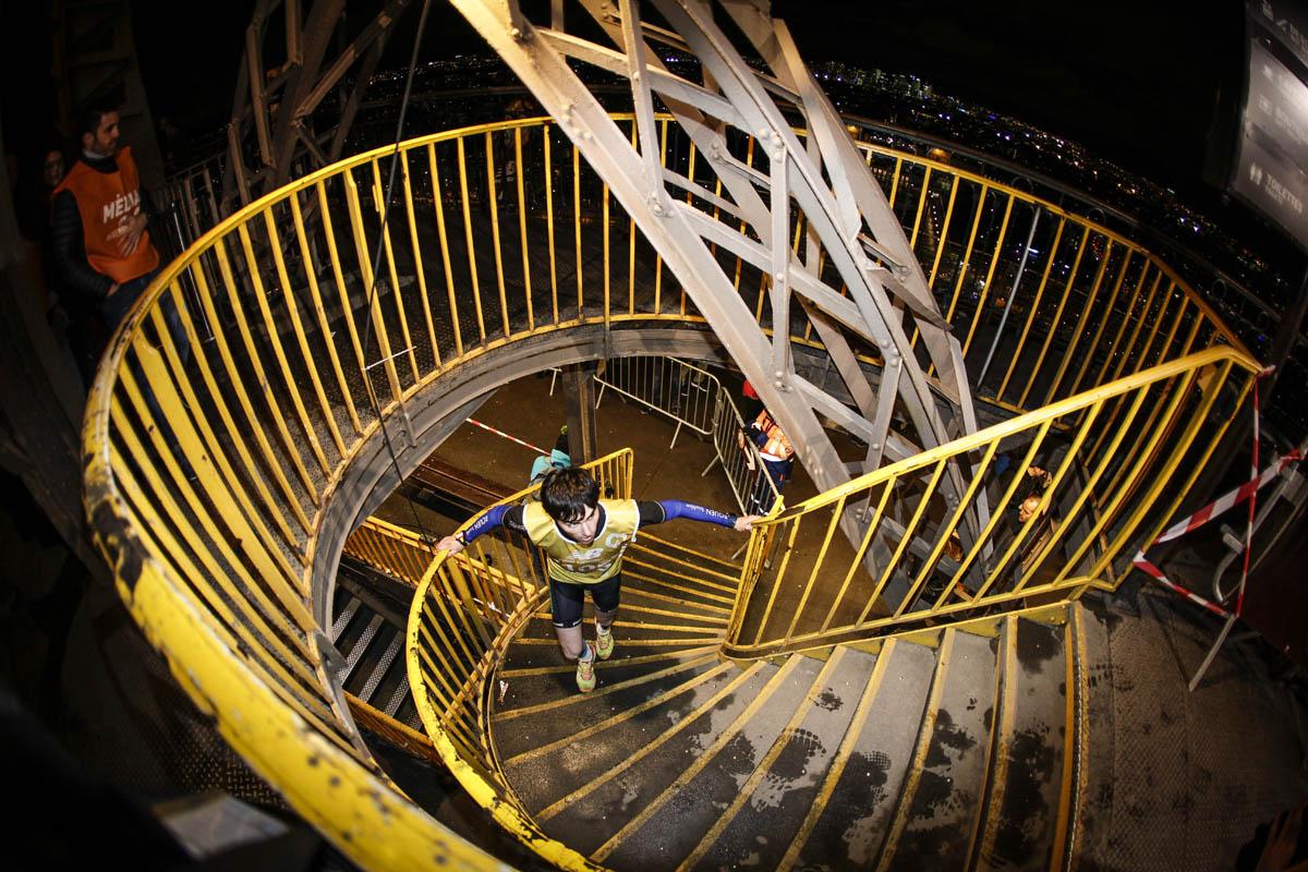 Verticale de la tour Eiffel® : pas d'accès au sommet !
